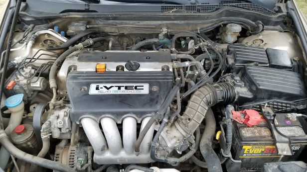 1-Honda-Accord-Engine-Bay