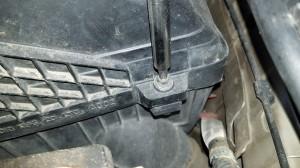 tighten screw