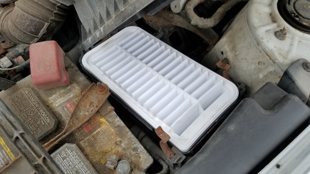 6-corolla-new-air-filter-installed