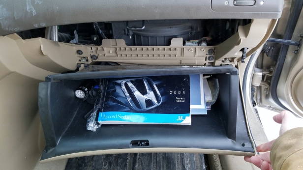 honda-accord-glove-box-released-down