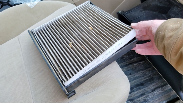 remove-old-cabin-air-filter