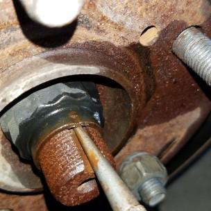 021-punch-axle-nut-sienna