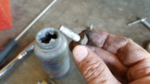 032-anti-seize-on-caliper-bolt