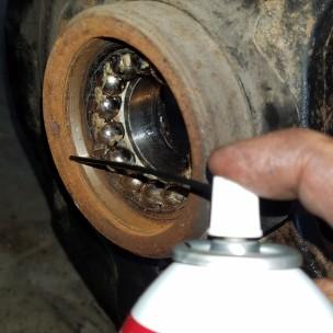 060-lubricate-bearing