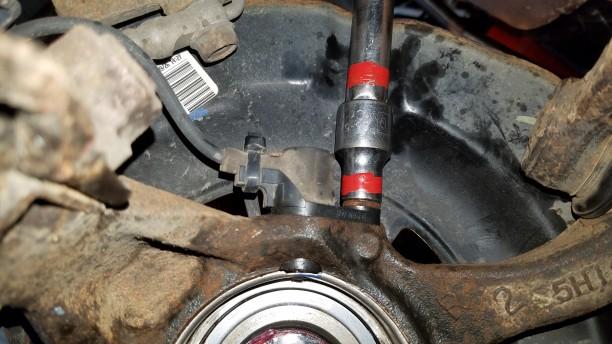 095-tighten-speed-sensor-bolt-10mm