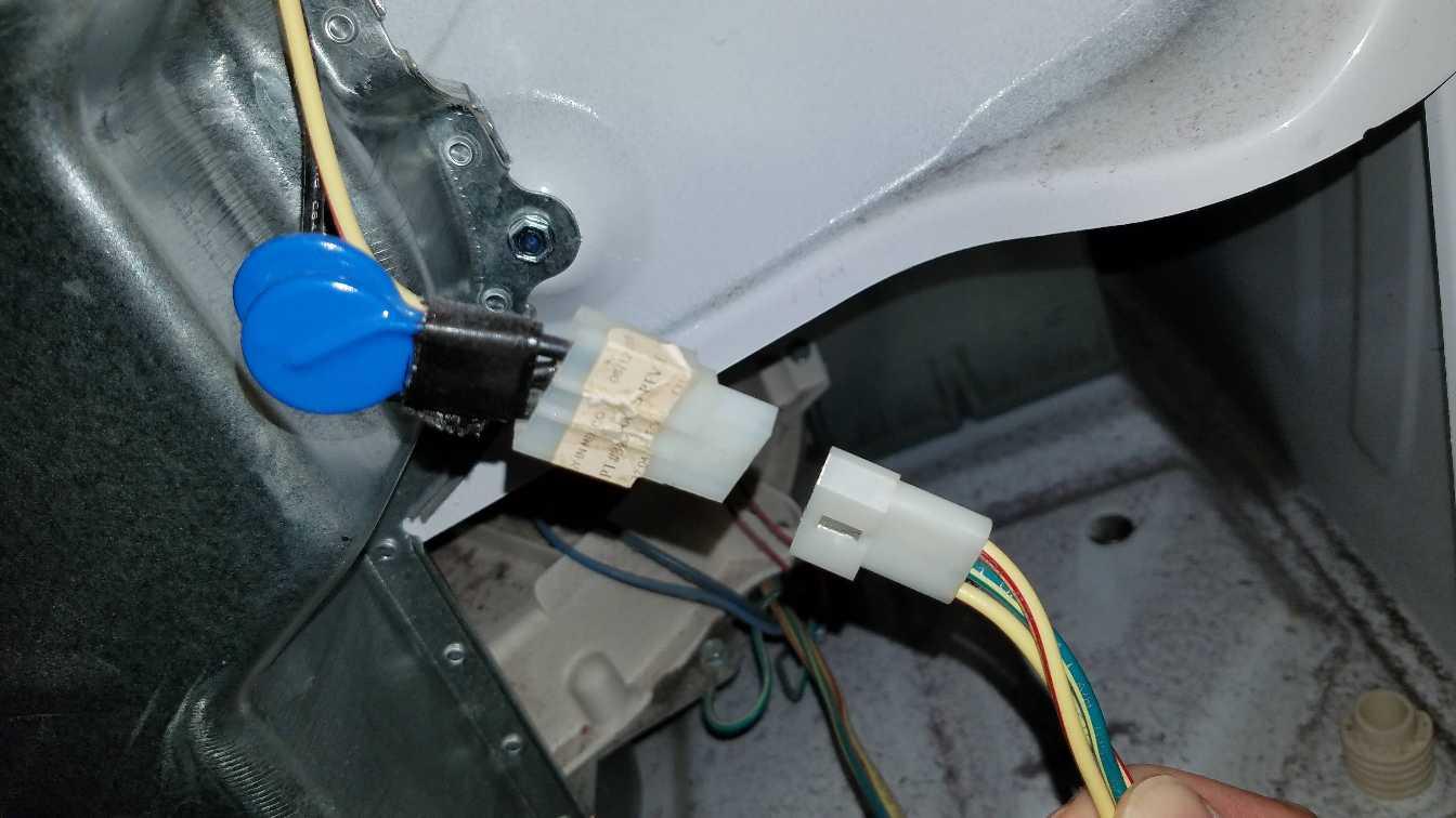 012-unplug-connector-near-bottom-maytag-bravos