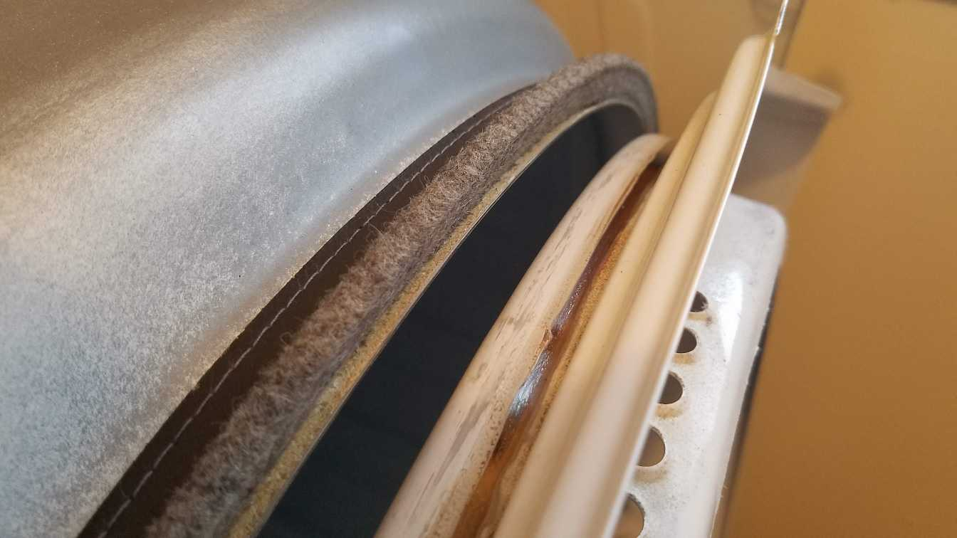 015-drum-rubbing-against-front-retainer-maytag-bravos