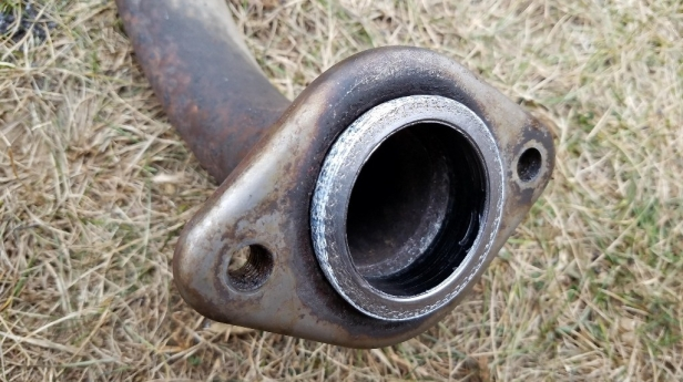 exhaust gasket seal in muffler pipe