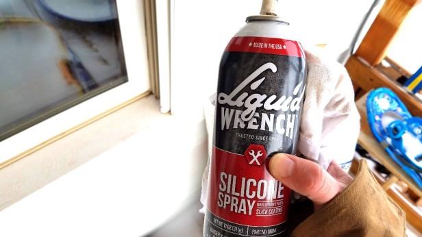 01-silicone-spray-rag