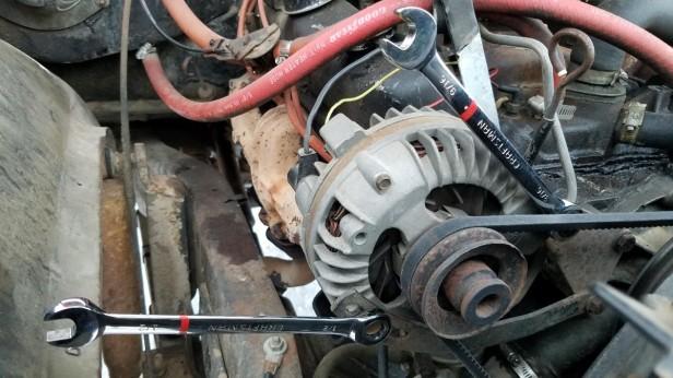 06-remove-alternator-attachment-bolts