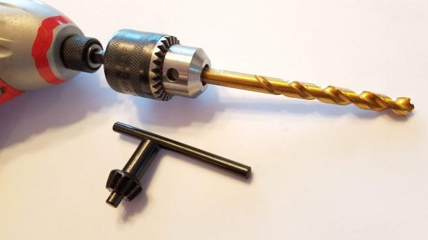 001-cordless-drill-15-16in-bit