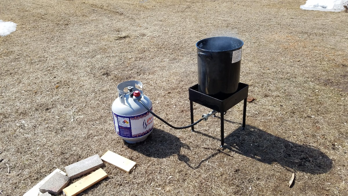 01-Maple-Syrup-Boiling-Turkey-Fryer