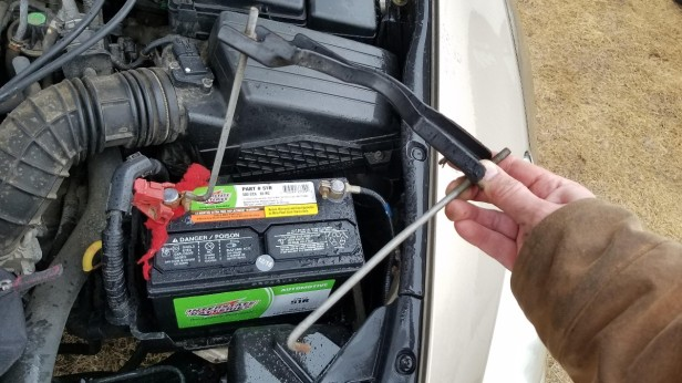 16-remove-battery-holder