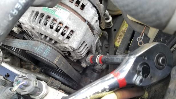 10-tensioner-bolt-alternator-sienna