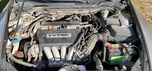 04-honda-accord-engine-bay
