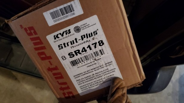 036-sienna-front-left-strut-part-number-kyb
