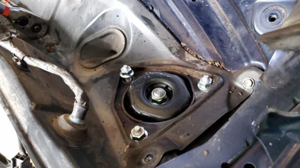 045-install-upper-nuts