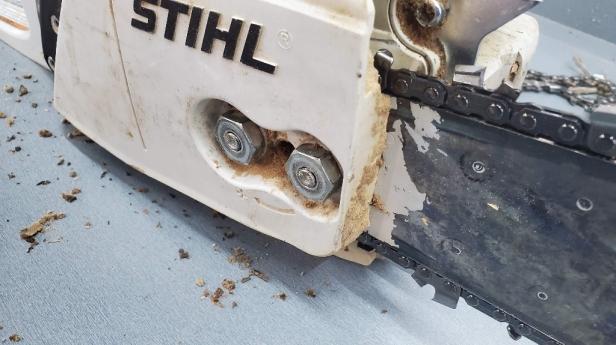 stihl-ms291-bar-tightening-nuts