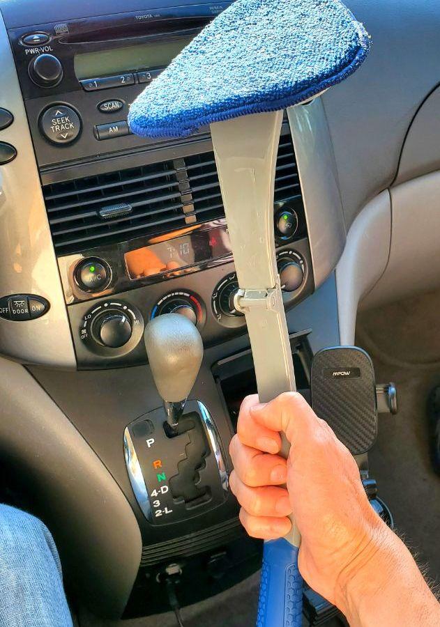 Inner windshield cleaner