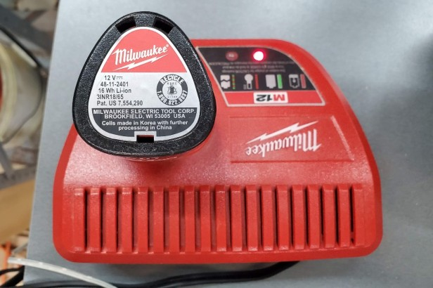 M12-Battery-in-Battery-Charger-Milwaukee