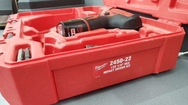 Milwaukee-cordless-drill-in-case-2450-22