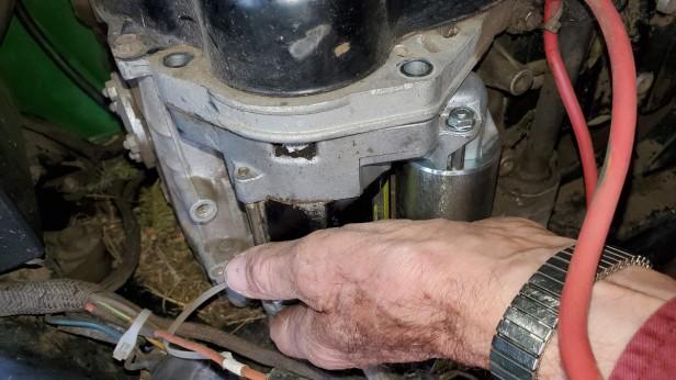 John-Deere-LX172-Lawn-Tractor-Starter-Installation