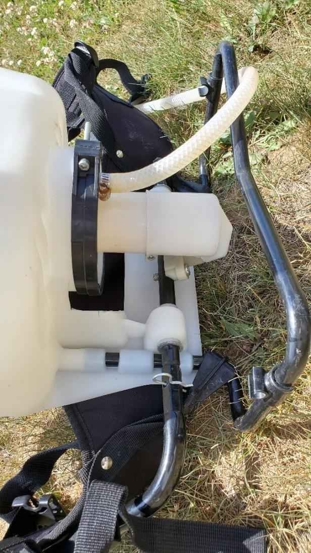 Poison-Ivy-Sprayer-Pump-Mechanism