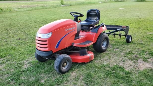 Simplicity-Broadmoor-16hp-Lawn-Tractor