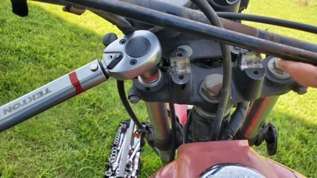 10-Torque-Fill-Plug-Fork-Oil-Honda-XL100s