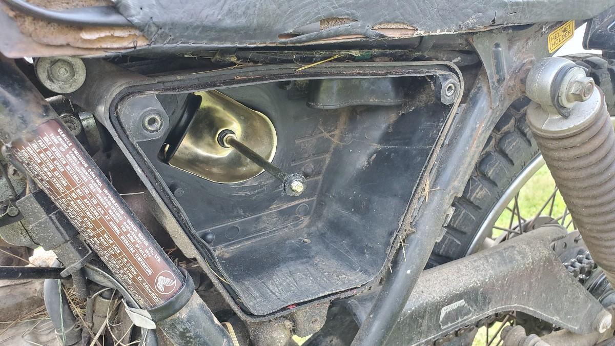 08-air-filter-box-xl100s-honda-motorcycle