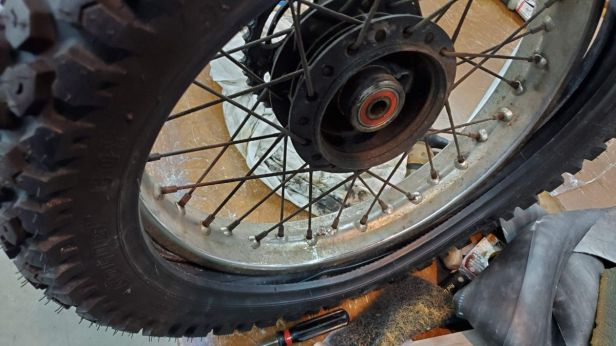 08b-installing-motorcycle-tire