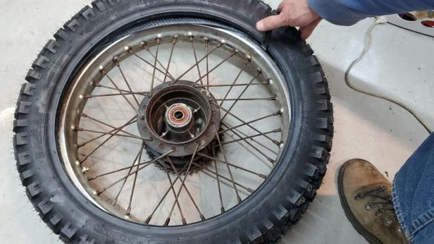08c-pry-tire-onto-rim-honda-motorcycle-tire