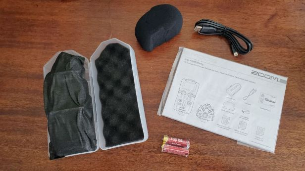 02-Zoom-H5-Contents-in-Box
