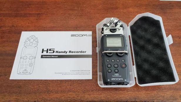 02b-Zoom-H5-in-Case-Manual