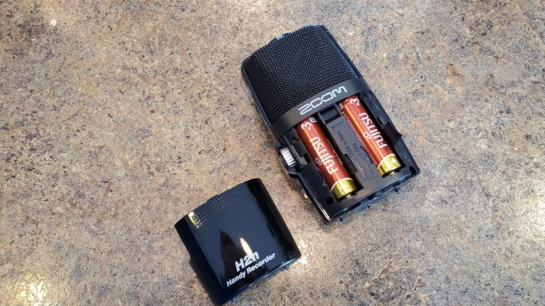 Zoom H2n Battery Compartment