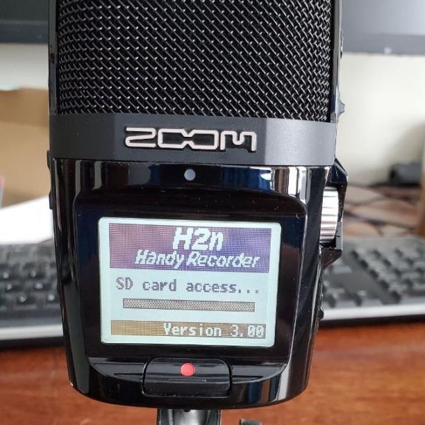 Zoom H2n Handy Digital Recorder front screen