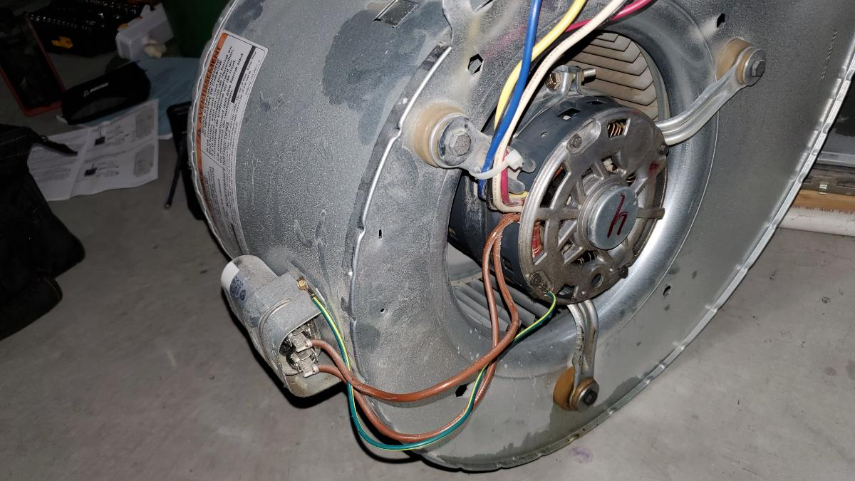 Air Conditioning blower motor and fan assembly - old