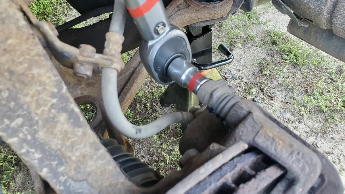Torque caliper bolts Honda Accord