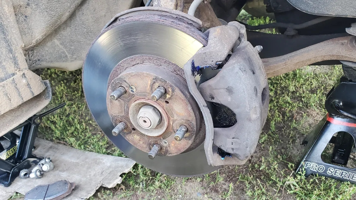 How to Install Brakes on a Honda Accord